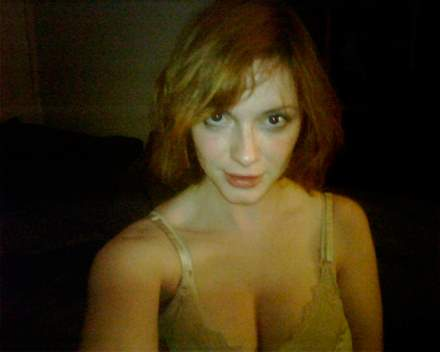 Christina Hendricks semidesnuda foto movil.