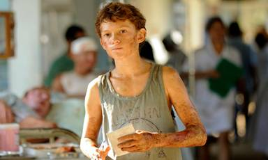 Tom Holland en Lo Imposible.