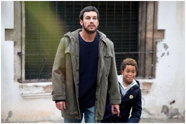 """""""Ismael"""" con Mario Casas."""